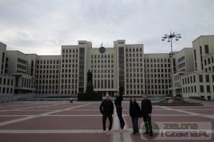 Parlament Białorusi w Mińsku. Czy można sfotografować się z Leninem?