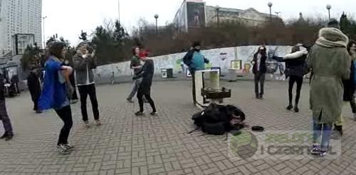 Miejskie tańce O-O-O-O-O Warszawa patelnia