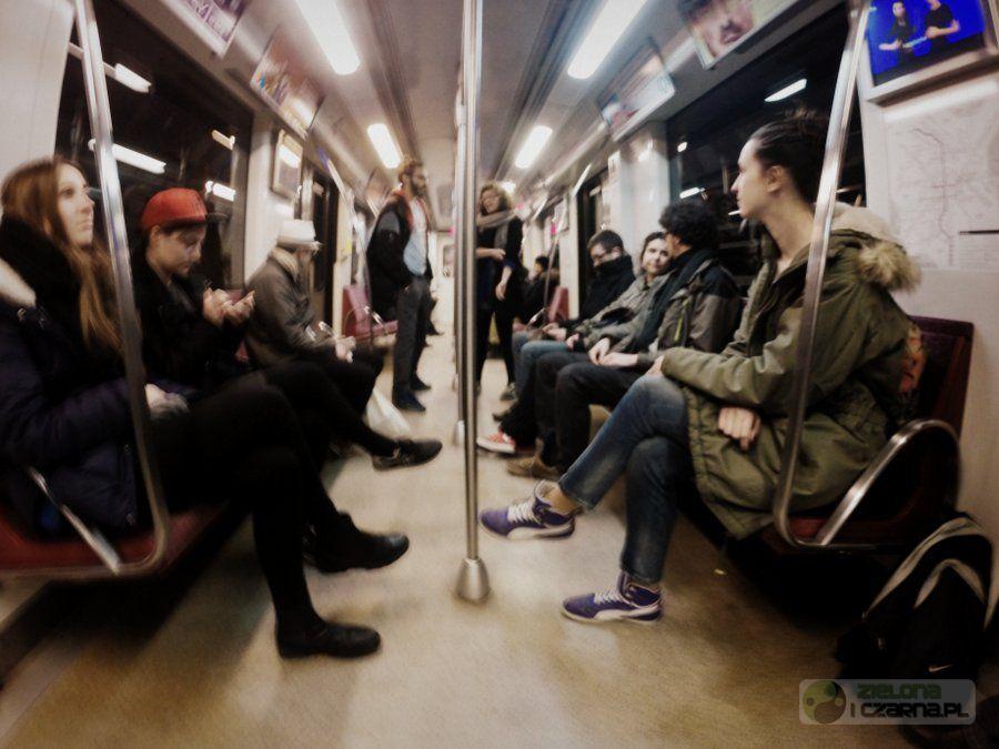 Miejskie tańce O-O-O-O-O Warszawa metro