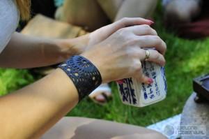 Herbata w rękach Joanny Bożek. Naczynie do herbaty